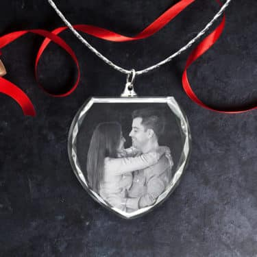 3D Crystal Pendant Picture Necklace: Heart Shape and Wedding Moment