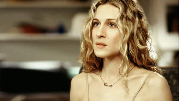 Carrie Wearing Name Necklace in the Sex and the City