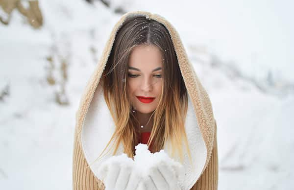 Choose Your Picture to Be Engraved on the Necklace: Girl Holding Snow