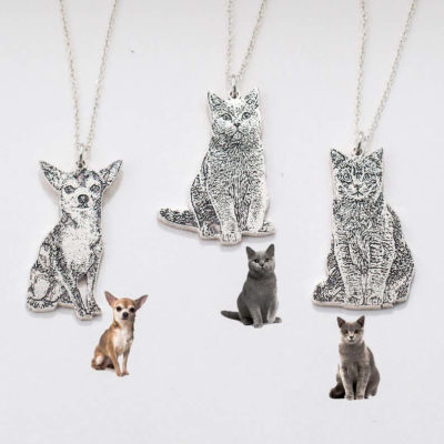 Memorial Gift: Personalized Pendant Necklace in the Shape of a Pet
