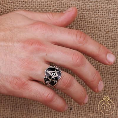Custom Masonic Ring: Vintage Jewelry Style