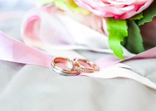 Jewelry Metals: Rose Gold Wedding Rings With Diamonds