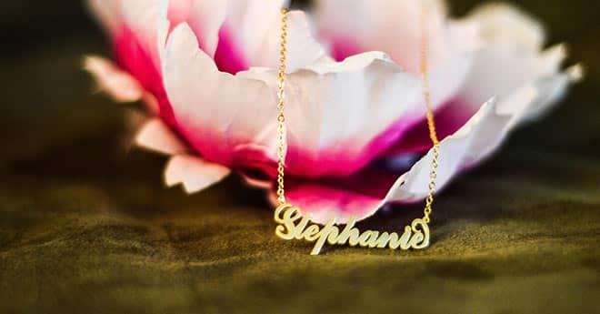 Soufeel Carrie Name Necklace Reviewed by Stephanie: Social Post Cover