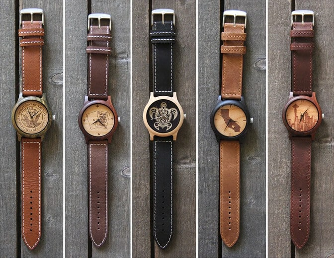 Photo Watches Used Different Colors of Sandalwood