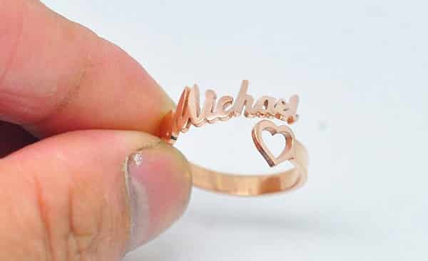Adorable Name Ring With a Heart Icon (Rose Gold)