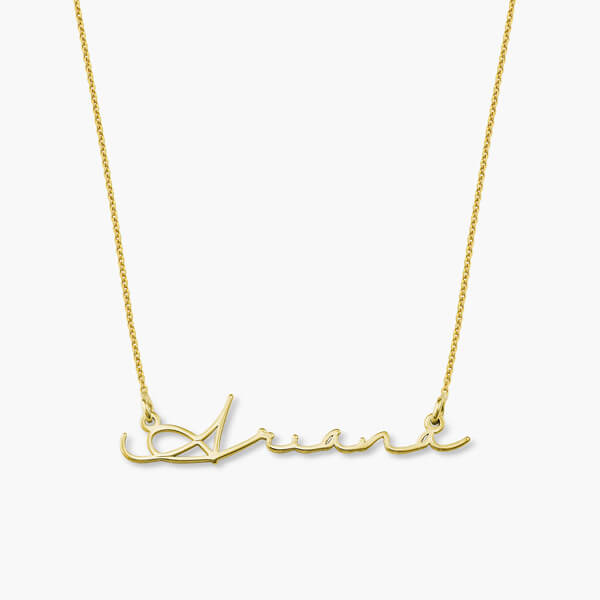 [Reviewed] Best Selling Item: Oak & Luna Mon Petit Name Necklace