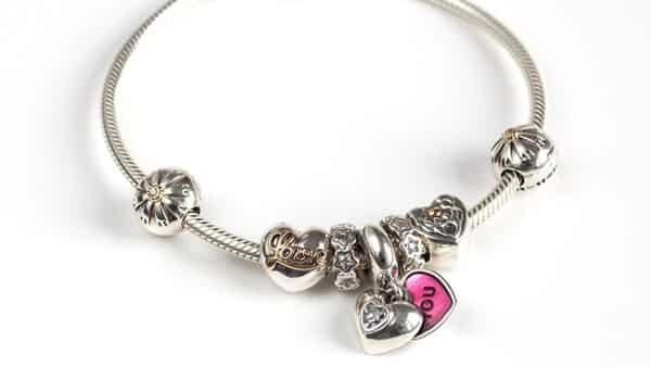 Personalized Pandora Charm Bracelets: Choose Your Favorite Charms and Make a Unique Bracelet