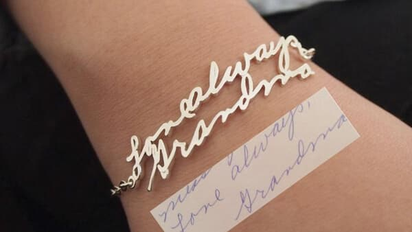 Personalized Handwriting Bracelets: Resembling Your Handwriting Precisely