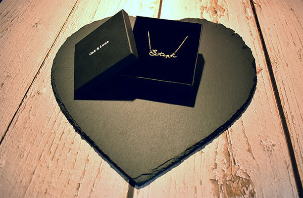 Packaging of Oak & Luna's 18K Gold-Plated Name Necklace (Jewelry Box)