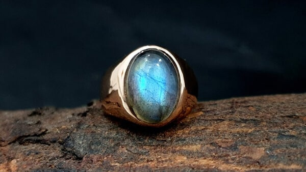 Oval-Cut Labradorite Gemstone Ring