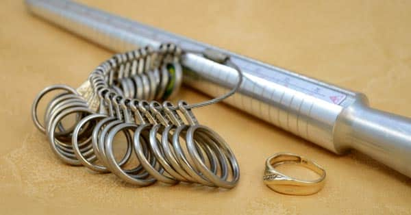 How to Measure Ring Size 2020 (Ring Sizing Tools)
