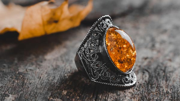 Choosing and Styling With Orange Colored Gemstone Jewelry