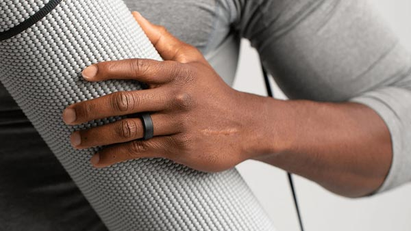 Styling With Silicone Wedding Band: Workout and Outfit