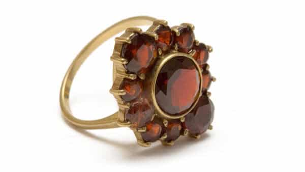 Vintage Style Yellow Gold Garnet Gemstone Ring