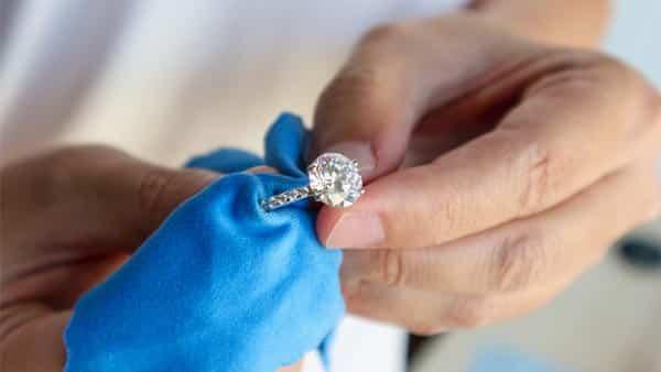Cleaning Prong Setting Diamond / Gemstone Ring