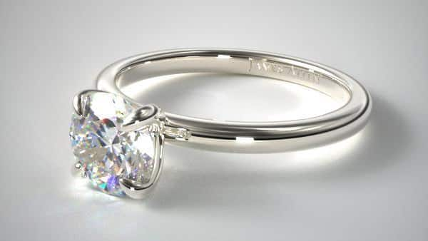 Prong Diamond Ring With Pointed / Claw Prongs
