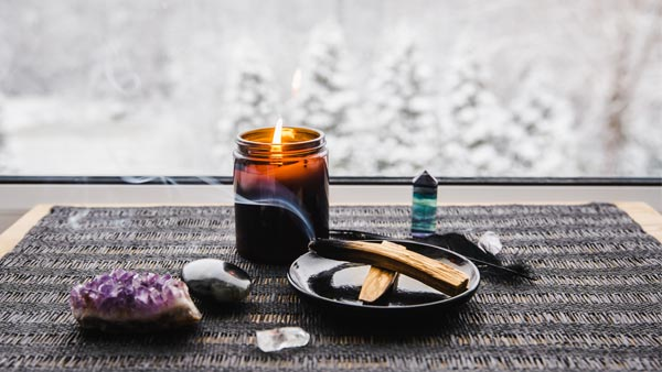 Charge Crystals With Aromas or Candlelight
