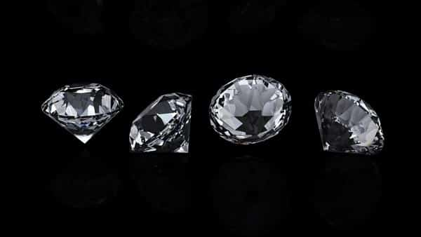 Compare Between Simulated Diamonds