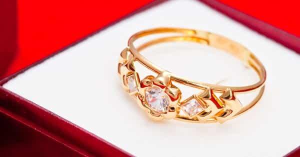 Cubic Zirconia Yellow Gold Ring