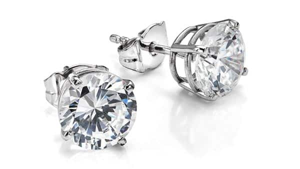 Use 4Cs to Find the Diamonds of Your Studs for Your Budget