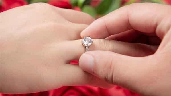 Opt for a Right Ring Setting to Amplify up the Beauty of G Diamond
