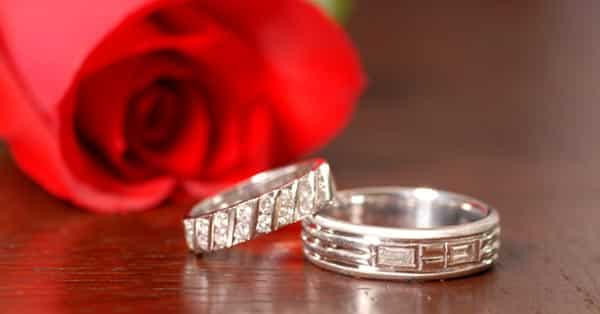 Men's Diamond Wedding Bands vs. Women's Bands